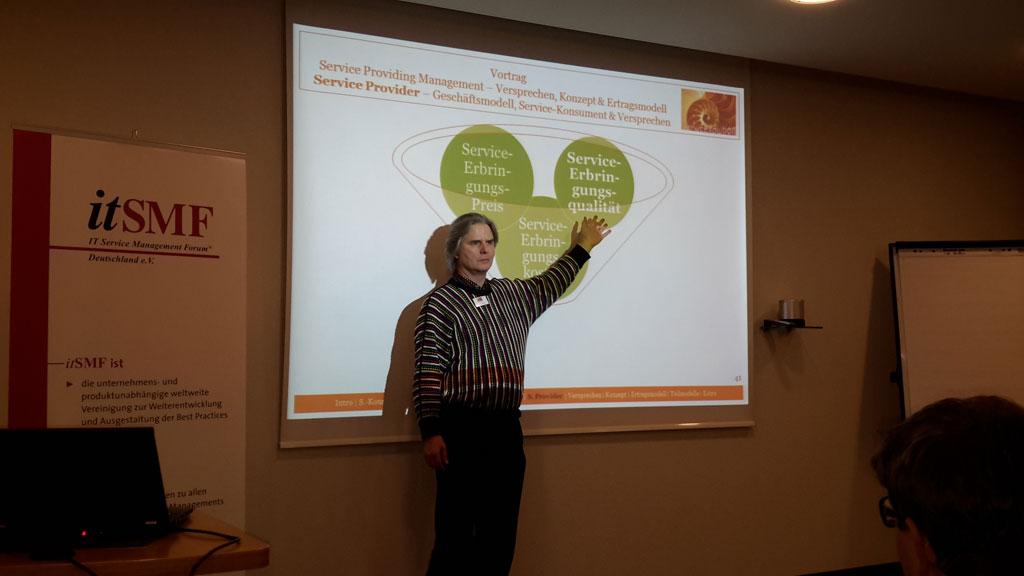 Paul G. Huppertz erläutert das Geschäftsmodell eines Service Provider